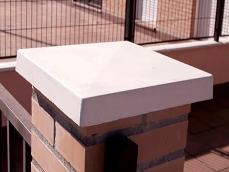 Tapa de pilar de hormigón polímero