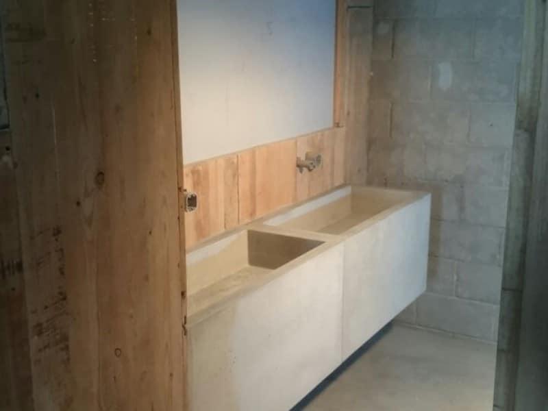 Lavabo de cemento de hormigón minimalista