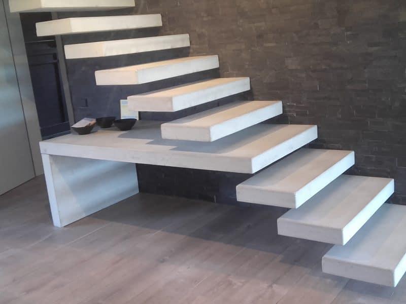 Peldaños de hormigón para escalera empotrada