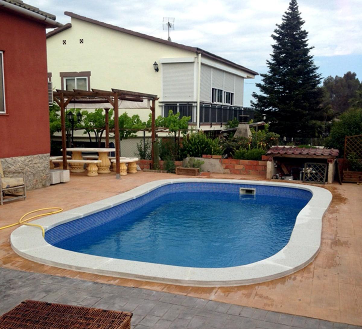 Corona de piscina en piedra artificial predecat - Piedra artificial barcelona ...