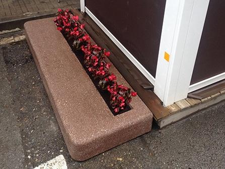 Elemento protector de terrazas exteriores en piedra artificial