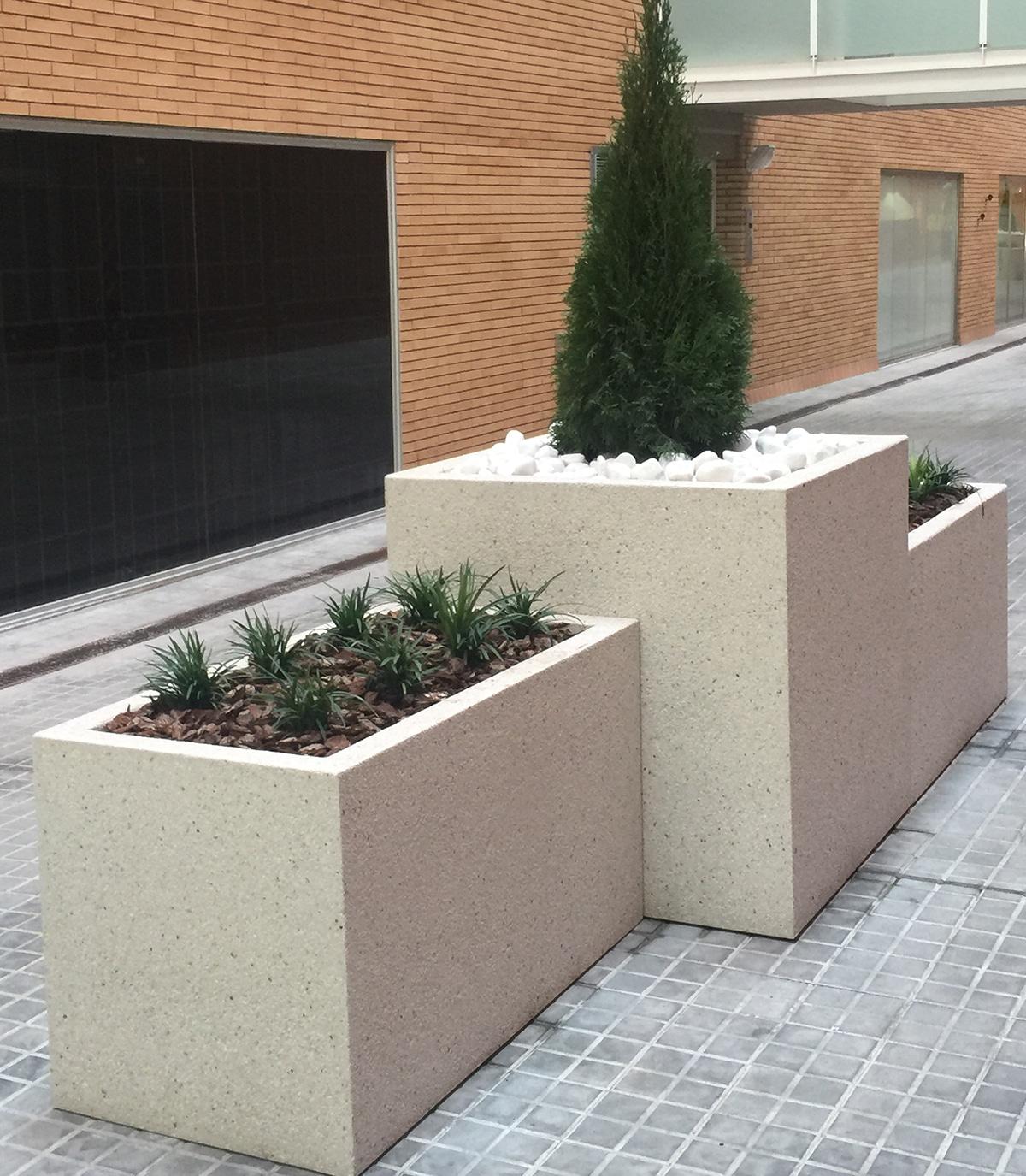 Jardineras urbanas qubik predecat for Jardineras de ceramica