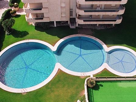 Remate de piscina a medida en Sitges