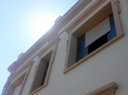 Rehabilitación de recercados y elementos ornamentales de fachada en piedra artificial